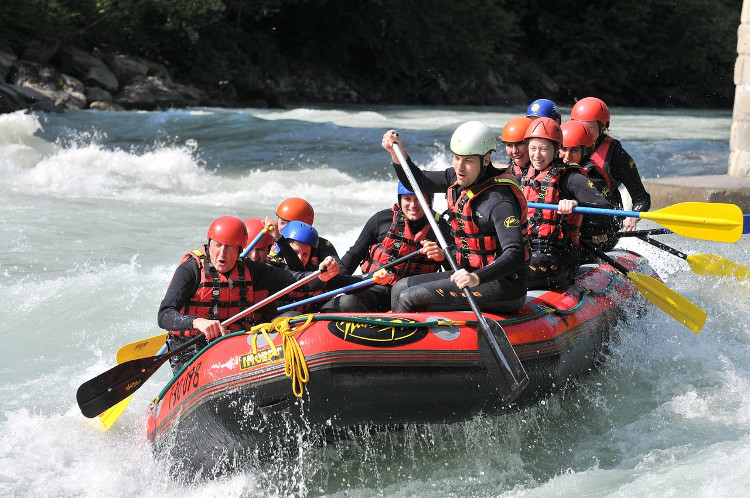 Branch Out On Your Next Vacation Learn White Water Rafting